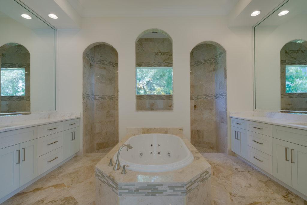 2071 Mockingbird master bath