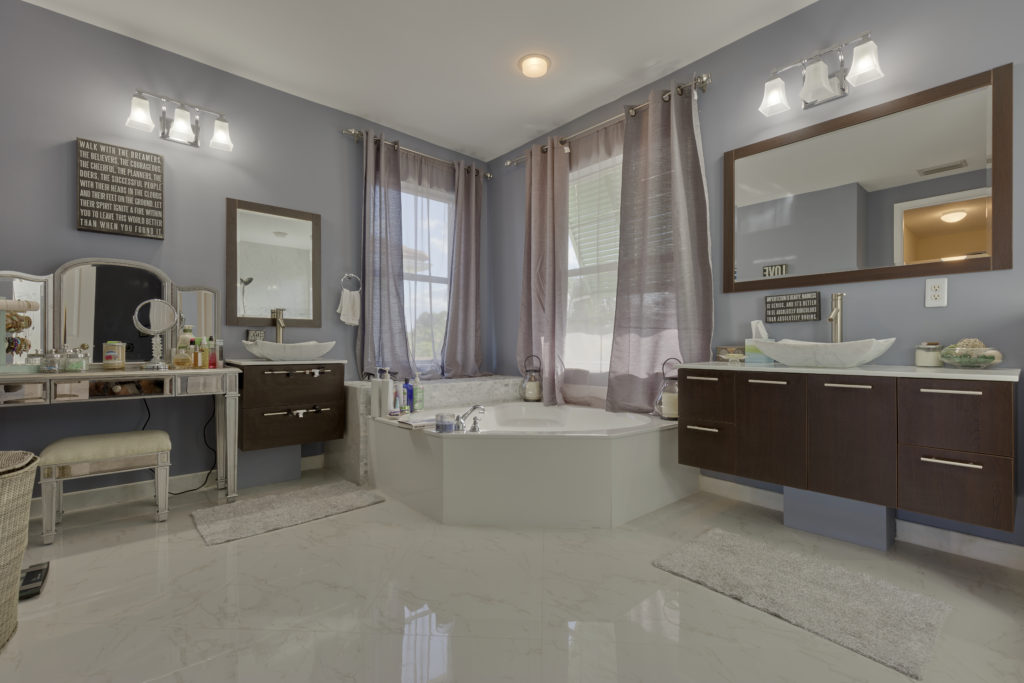 78 Palm Beach Plantation Master Bath